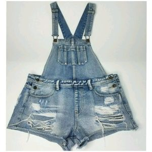 Forever 21 Distressed Shorts Overalls Size 30
